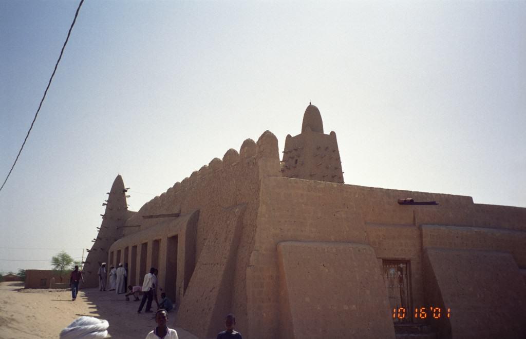 Djinguereber_Mosque,_Timbuktu