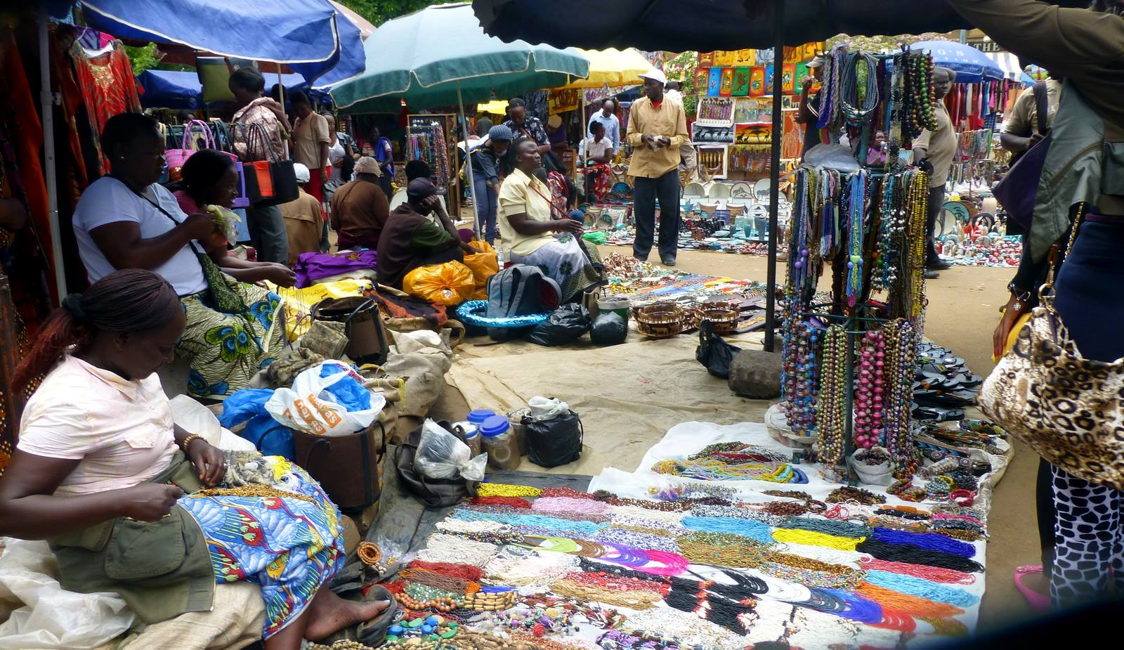 nairobi-central-market-crafts