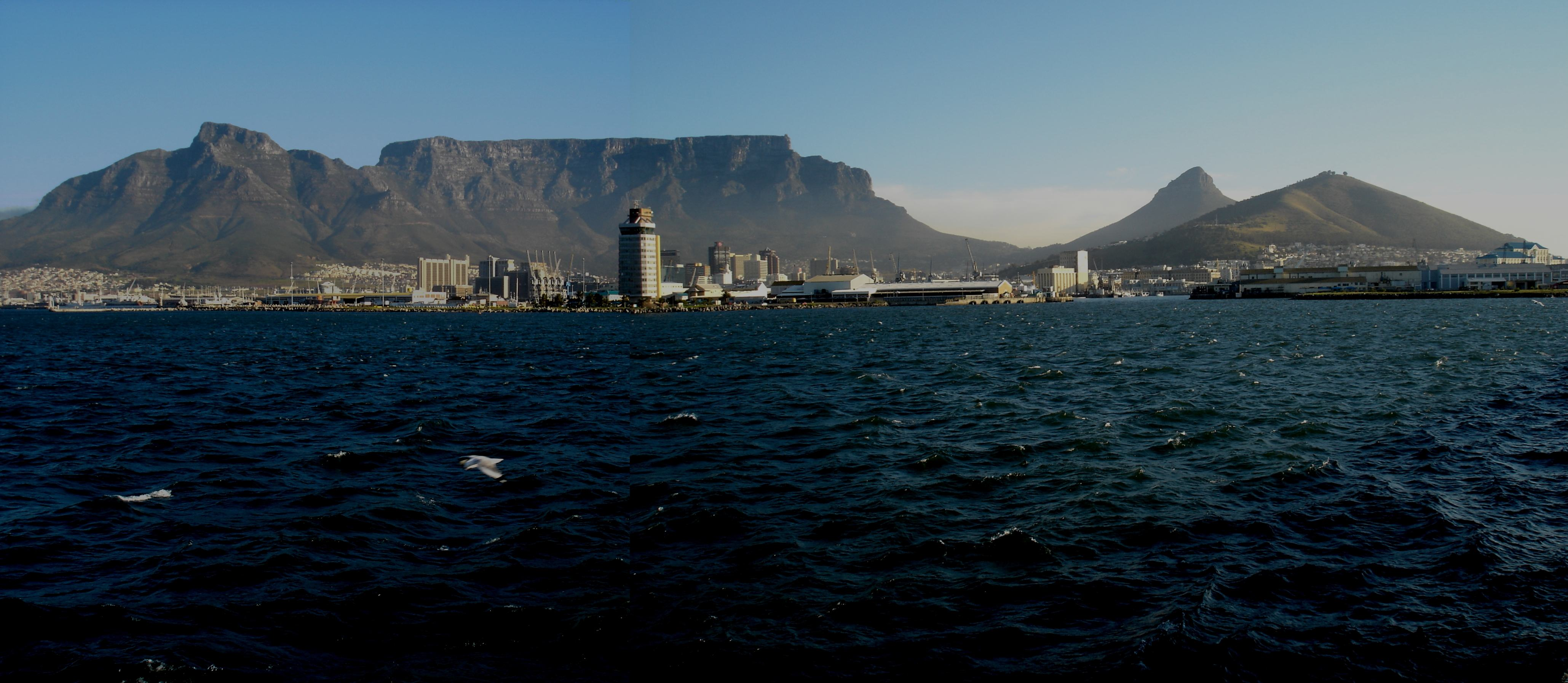Table_Mountain_from_harbour
